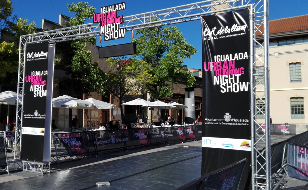 urban running night show igualada evento alco suministro vallas